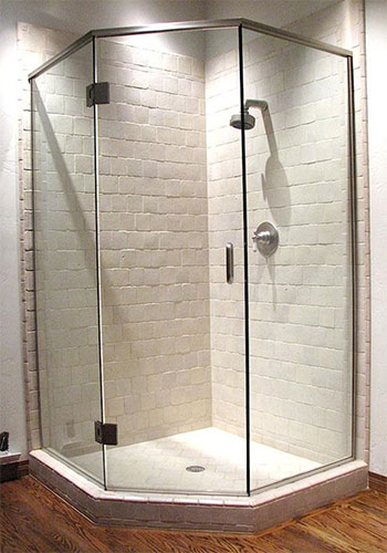 Semi-Frameless Shower Doors Eastvale, CA.