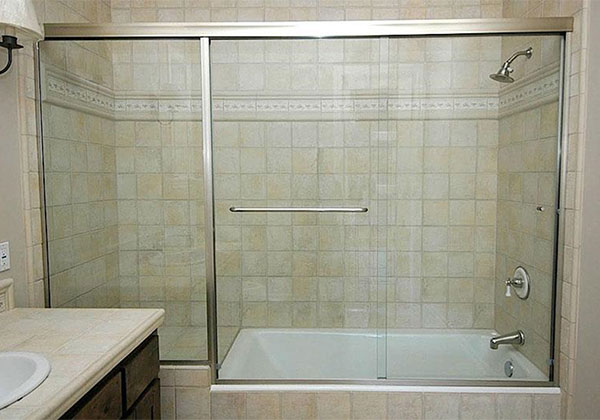 Semi-Frameless Tub Doors Garden Grove, CA.